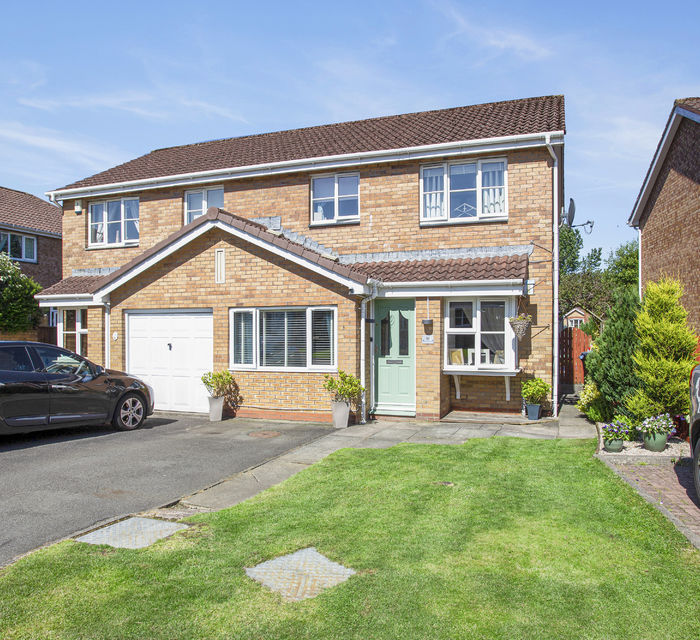 43 Kaims Gardens,  Livingston, West Lothian EH54 7DY